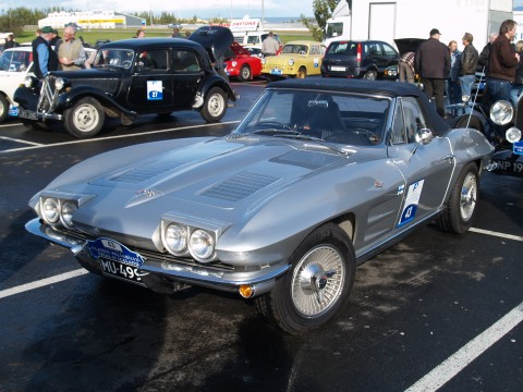 Collector Cars - A sweet classic silver Corvette.