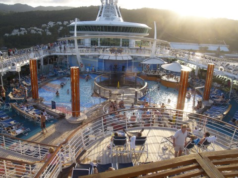Freedom of the Seas swimming pool