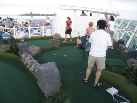 Freedom of the Seas - mini golf