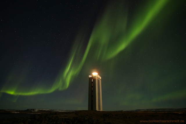 Klfshamarsvk_Lighhouse_with_Aurora